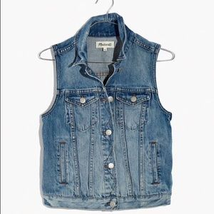 Madewell pocket fitted denim vest